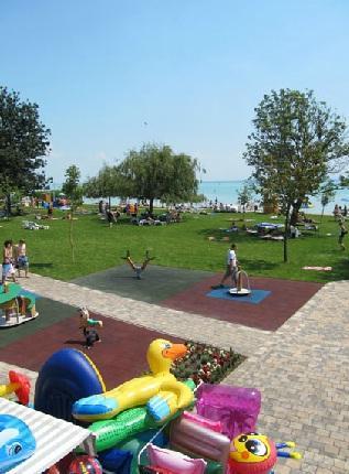 Esterházy strand és Élményfürdő – Balatonfüred